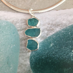 APATITE AND STERLING PENDANT NECKLACE