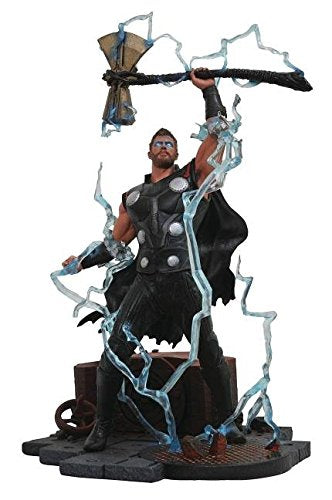 DIAMOND SELECT TOYS Marvel Gallery: Avengers Infinity War Movie Thor PVC Diorama Figure, Standard, Black