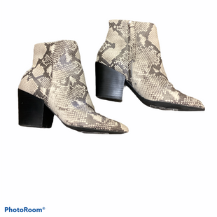 Primary Photo - BRAND: DOLCE VITA STYLE: BOOTS ANKLE COLOR: SNAKESKIN PRINT SIZE: 8 SKU: 256-25661-14506