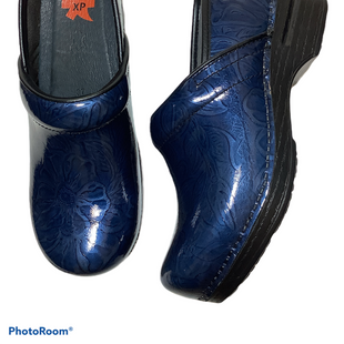 Primary Photo - BRAND: DANSKO STYLE: SHOES LOW HEEL COLOR: BLUE SIZE: 6.5 SKU: 256-25611-40081