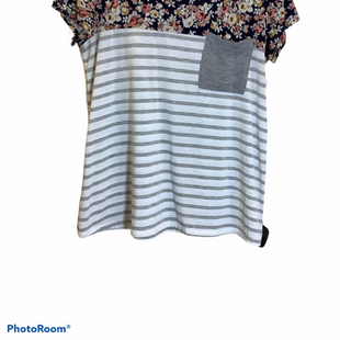 Primary Photo - BRAND:    CLOTHES MENTOR STYLE: TOP SHORT SLEEVE COLOR: MULTI SIZE: M OTHER INFO: LOVELY MELODY - SKU: 256-25629-43122