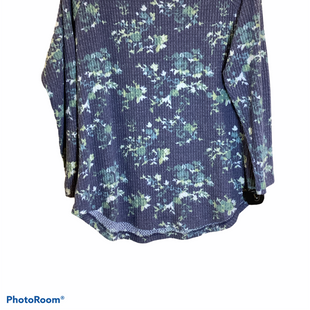 Primary Photo - BRAND:    CLOTHES MENTOR STYLE: TOP LONG SLEEVE COLOR: BLUE SIZE: XL OTHER INFO: PEACE AND PEARLS - SKU: 256-25678-5993