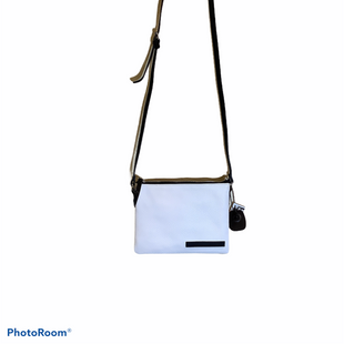 Primary Photo - BRAND: TAHARI STYLE: HANDBAG COLOR: WHITE SIZE: SMALL SKU: 256-25673-8019TWO TONED