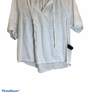 Primary Photo - BRAND: LUCKY BRAND STYLE: TOP SHORT SLEEVE COLOR: WHITE SIZE: L SKU: 256-25661-14565