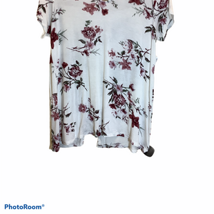 Primary Photo - BRAND: DAY TRIP STYLE: TOP SHORT SLEEVE COLOR: FLORAL SIZE: L SKU: 256-25611-33774