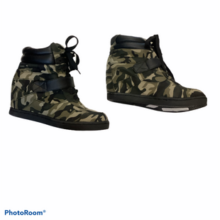 Primary Photo - BRAND:    CLOTHES MENTOR STYLE: BOOTS ANKLE COLOR: CAMOFLAUGE SIZE: 6.5 SKU: 256-25686-803