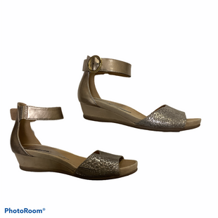 Primary Photo - BRAND: EARTH STYLE: SANDALS LOW COLOR: GOLD SIZE: 7.5 SKU: 256-25612-65857