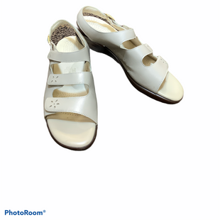 Primary Photo - BRAND: SAS STYLE: SANDALS FLAT COLOR: CREAM SIZE: 8.5 SKU: 256-25661-17985
