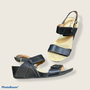 Primary Photo - BRAND: CLARKS STYLE: SANDALS LOW COLOR: BLACK SIZE: 8 SKU: 256-25678-1055