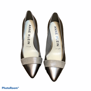 Primary Photo - BRAND: ANNE KLEIN STYLE: SHOES LOW HEEL COLOR: SILVER SIZE: 6 SKU: 256-25612-66190