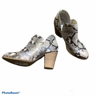 Primary Photo - BRAND: FERGALICIOUS STYLE: BOOTS ANKLE COLOR: SNAKESKIN PRINT SIZE: 7.5 SKU: 256-25653-10488