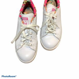 Primary Photo - BRAND: ADIDAS STYLE: SHOES ATHLETIC COLOR: WHITE SIZE: 8.5 SKU: 256-25673-10975