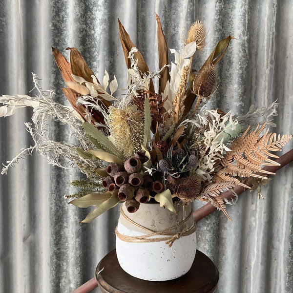 Dried Flower Arrangement // Workshops