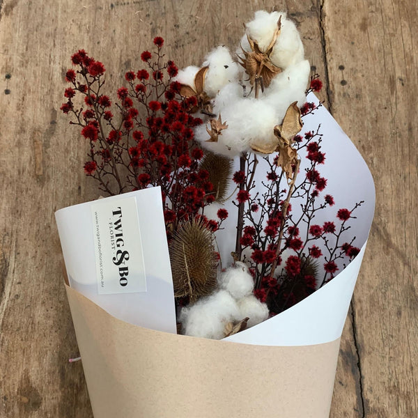 CHRISTY Dried Flower Bouquet
