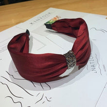 Load image into Gallery viewer, Diamond Knotted Headband