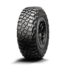 "Load image into Gallery viewer, BFGoodrich Mud-Terrain T/A KM3 for 17"" Wheels"