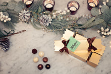 Load image into Gallery viewer, Pre-Order: Vegan Hollychocs Christmas Cracker
