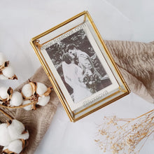 Load image into Gallery viewer, Niccola Glass Wedding Photo Display