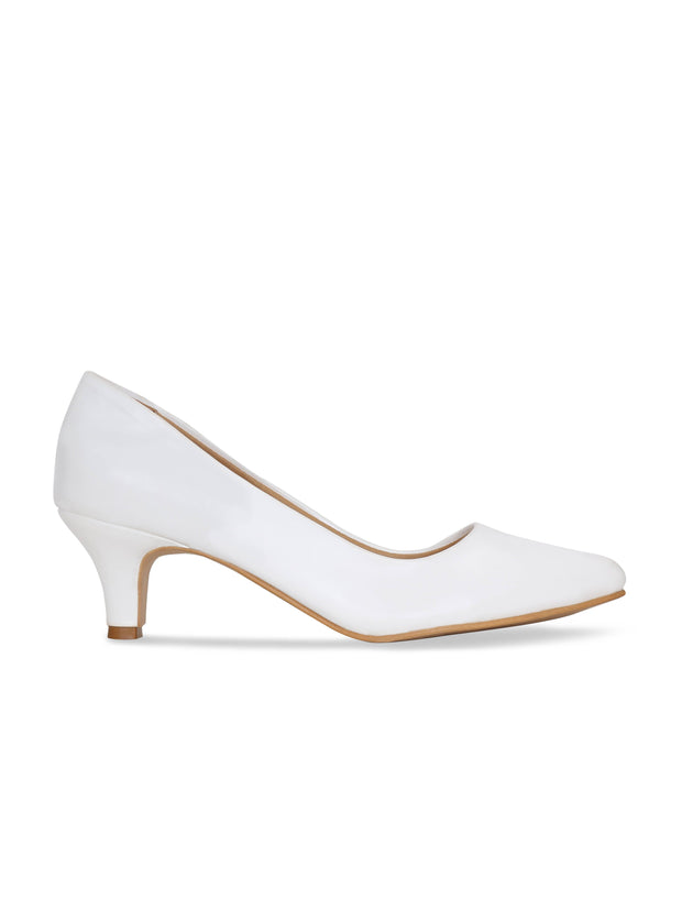 Women White Classic Solid Pumps