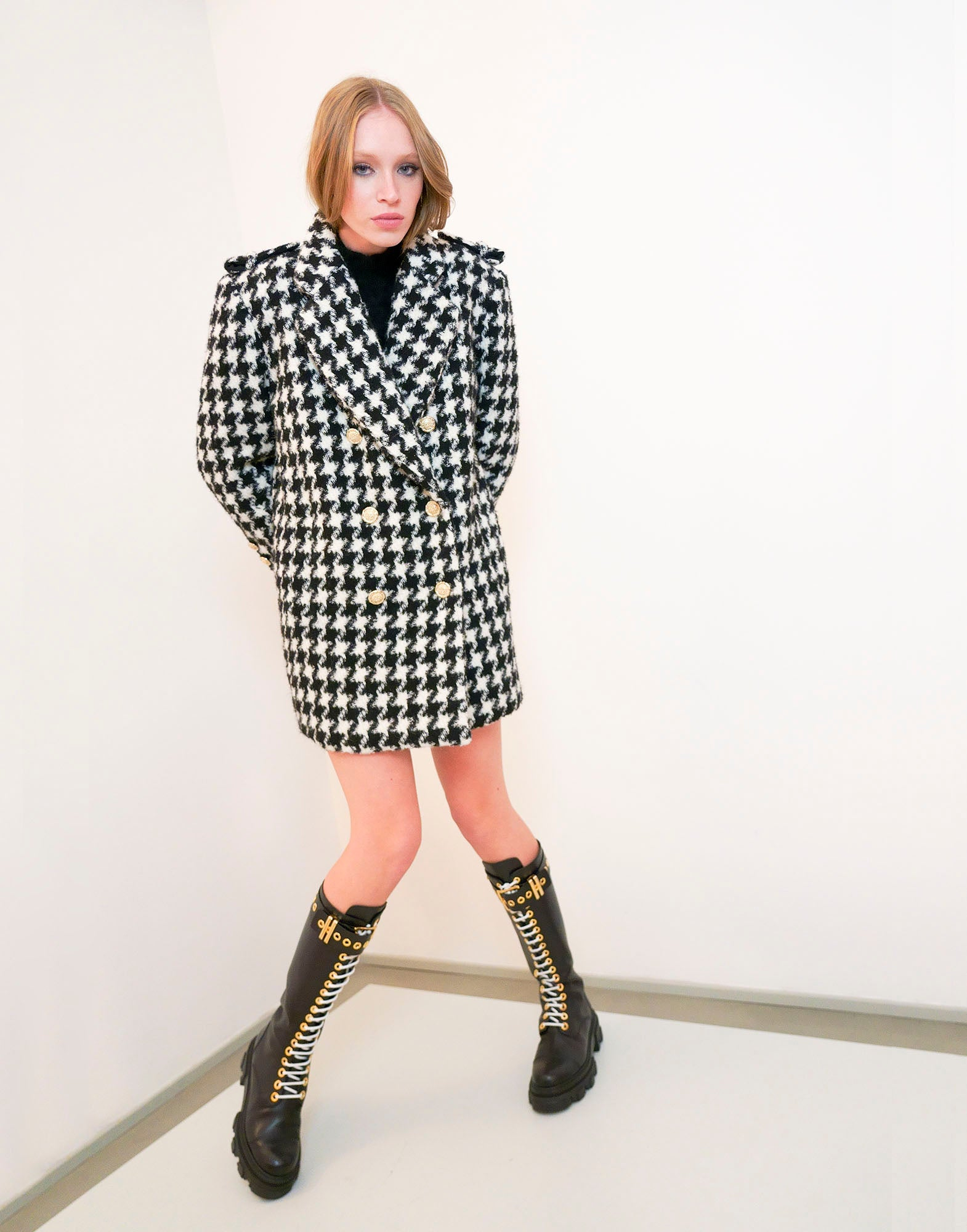 Houndstooth coat - NEW IN