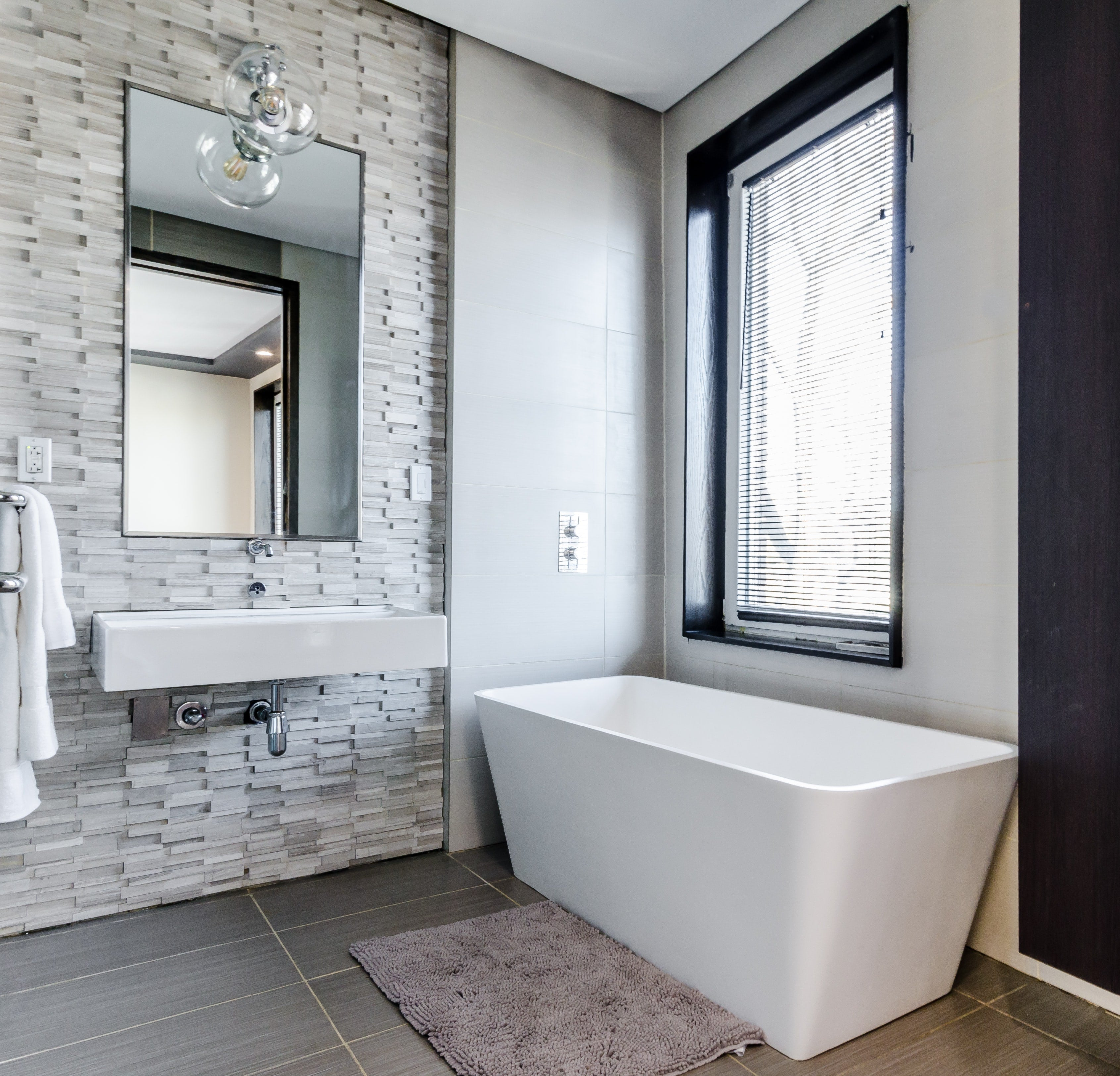 Bathroom Remodeling Tips to Transform Your Bathroom