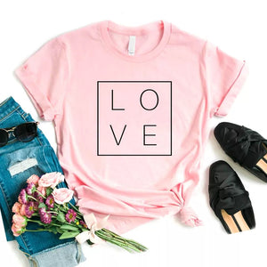 Camiseta estampada tipo T-shirt LOVE CUADRADO