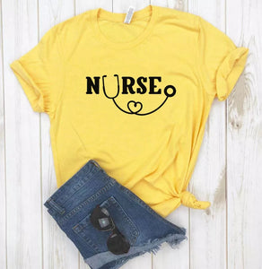 Camisa estampada tipo T-shirt Nurse