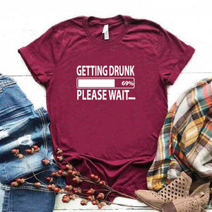 Camisa estampada tipo T- shirt GETTING DRUNK PLEASE WAIT