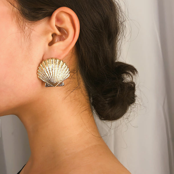 Metallic Sea Shell Post Earrings - Damnbling