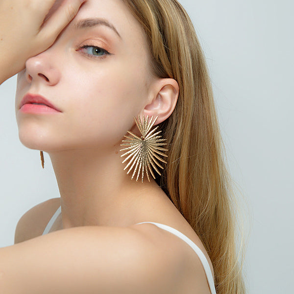 Palm Leaf Drop Earrings - Damnbling