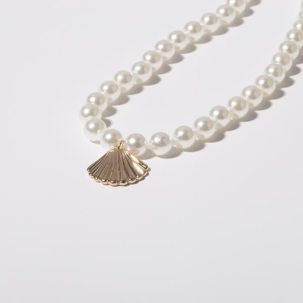 Petite Pearl Shell Short Necklace - Damnbling