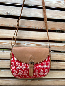 flap crossbody handbag in paisley pattern