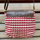 piccolino flap crossbody handbag in triangle wave pattern