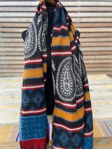 boho shawl (reversible) - paisely