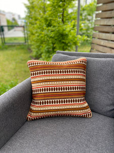 Cushion Cover-border with dot pattern in multicolor