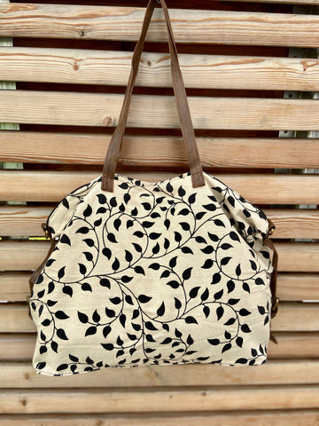 beachbag leaf and wine pattern