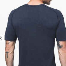 Load image into Gallery viewer, Lululemon - Men's Metal Vent Tech Short Sleeve 2.0 - Navy