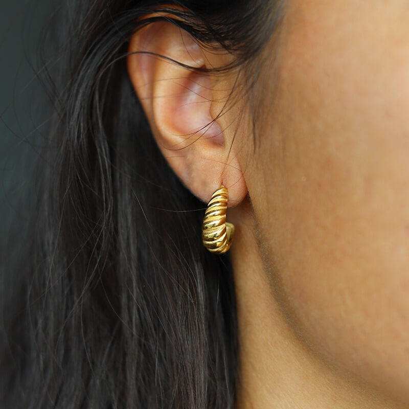 CROISSANT. earrings