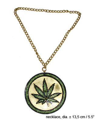 Necklace Happy Leaf Medallion
