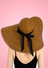 Load image into Gallery viewer, Oversized Straw Hat Brown