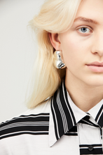 Load image into Gallery viewer, Moiré x Annie Berner Earring