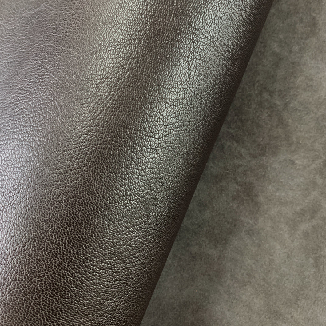 A beautiful, veg tanned goat skin in a classic Racing Green colour.