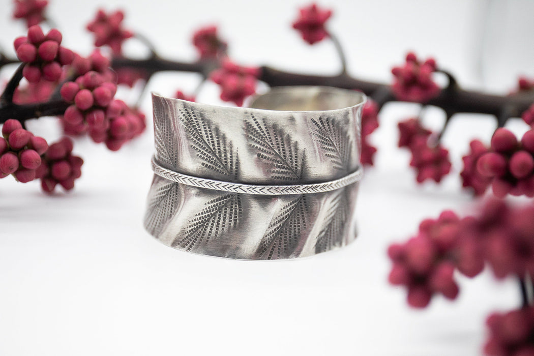 Gorgeous Statement Leaf Print Thai Hill Tribe Silver Bangle - Tribal Silver Bangle - Pure Silver Cuff - Tribal Silver Cuff