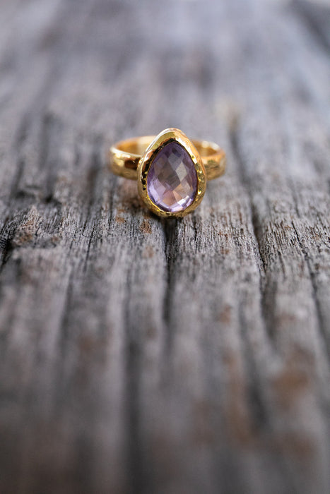 Stunning Faceted Amethyst Ring in Beaten Gold Plated Sterling Silver Setting - Size 9 US - High Grade Gemstone Jewellery - Amethyst Jewelry
