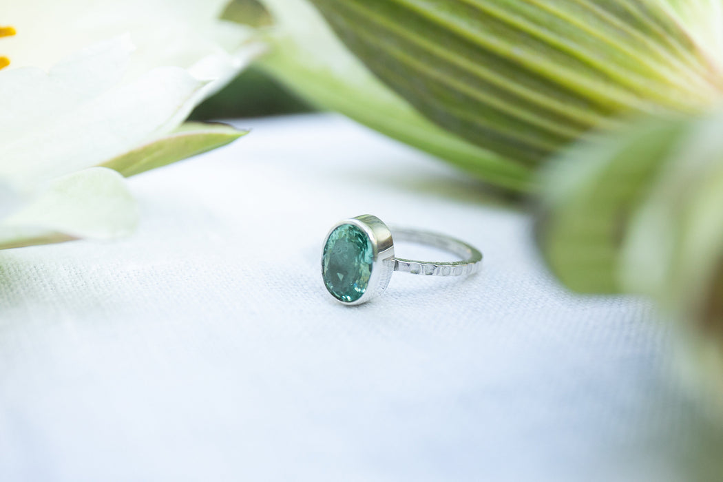 Stunning A Grade Faceted Aquamarine Ring in Thin Beaten Sterling Silver Band - Size 7.5 US - Rough Gemstone Jewelry - Raw Aqua