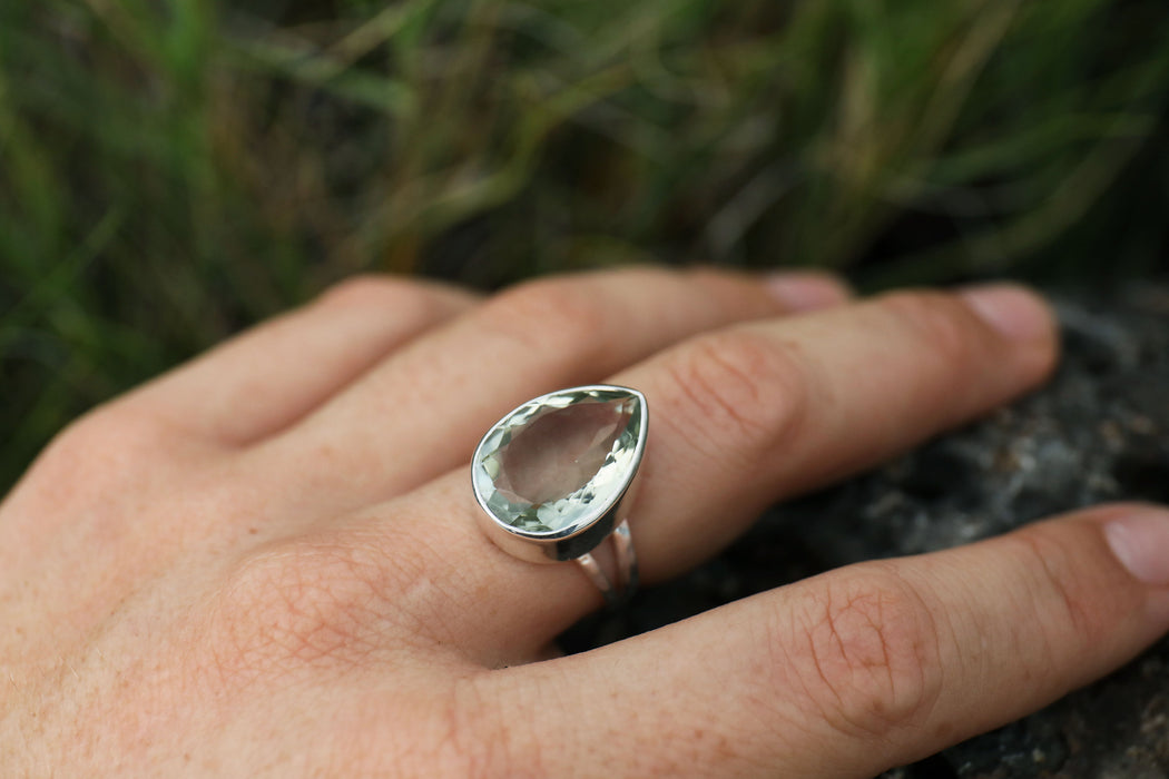 Teardrop Green Amethyst Ring in Split Beaten Sterling Silver Band - Size 7 Ring Prasiolite Ring - Gemstone Jewellery - Faceted Ring