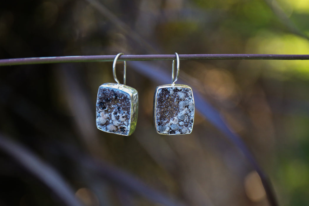 Druzy Quartz Earrings set in Hammered Sterling Silver - Gemstone Jewelry - Raw Druzy Quartz Jewellery - Rough Gemstone Earrings