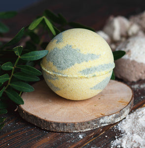 Buckle Up, ButterCup! Foaming Bath Bomb