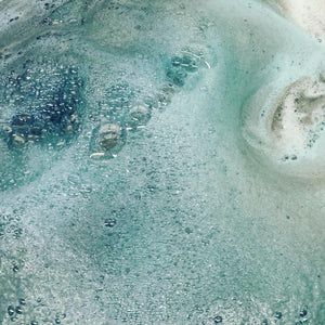 Bring On The Night Foaming Bath Bomb