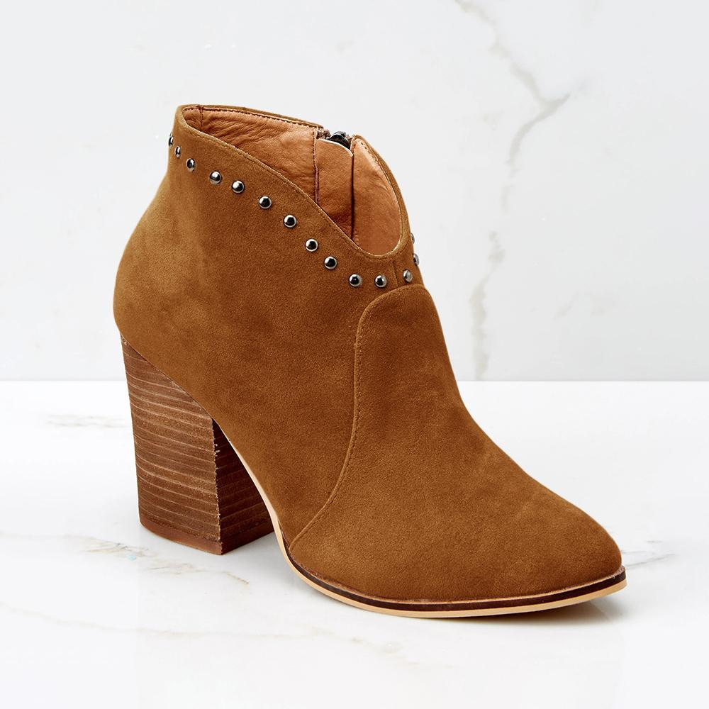 Suremoda Rivet Pointed Suede Boot